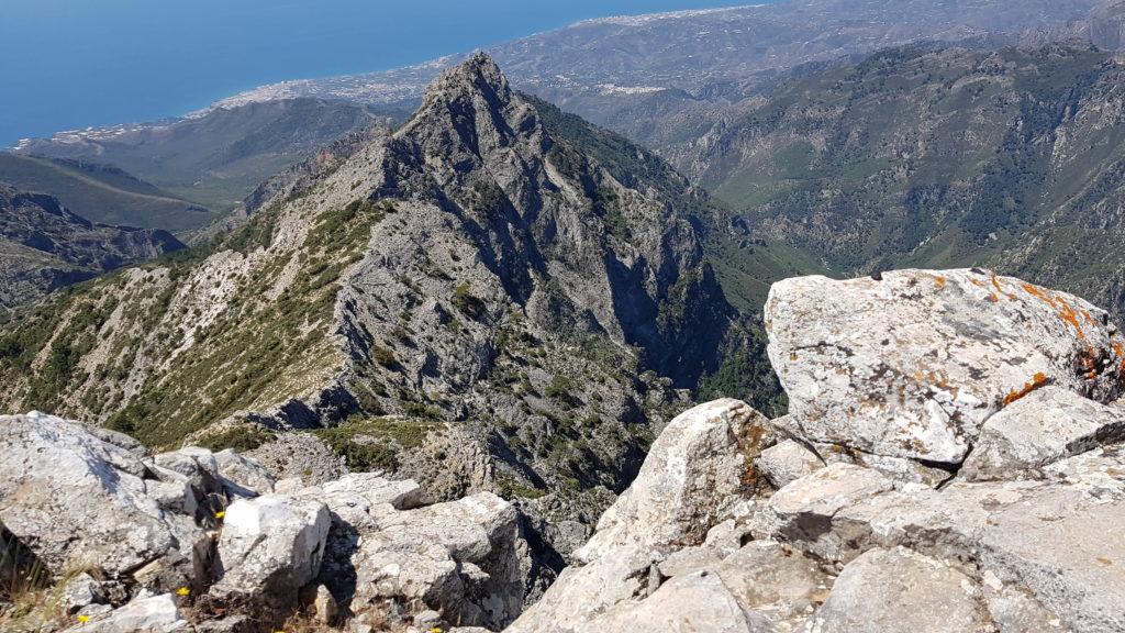 Vista del Almendrón desde lo alto de los Tajos de Sol