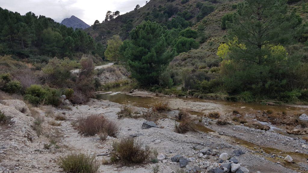Río Cacín y Pico los Machos