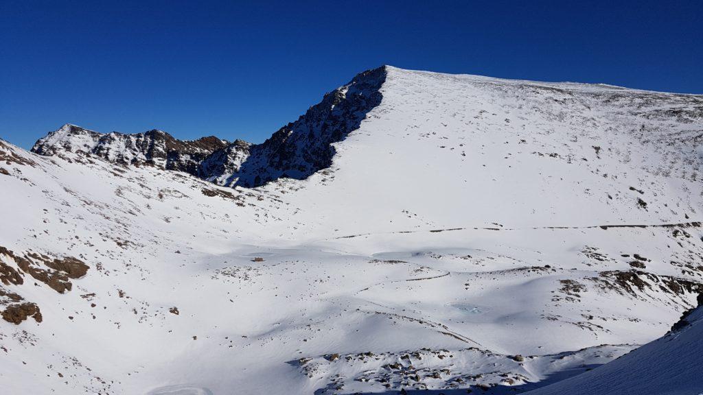 Vista del Mulhacén desde el Collado de Loma Pelada