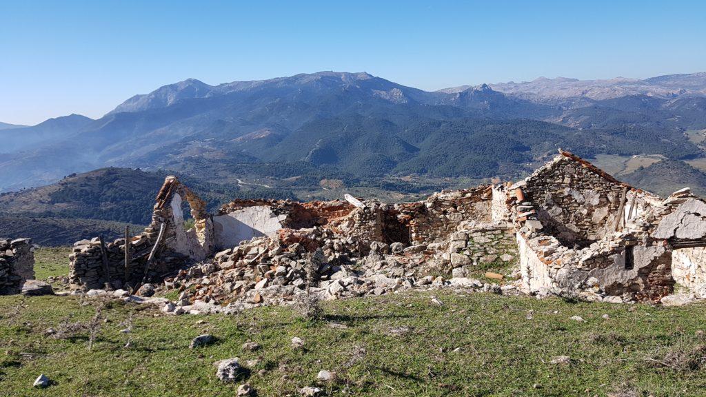 Ruinas de un cortijo