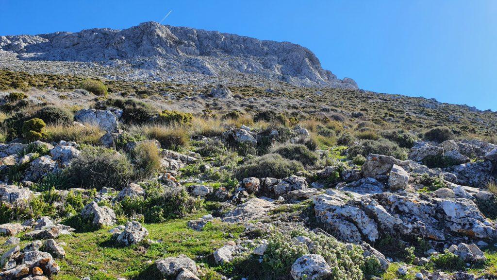 Nivel de 1200 m. Hacia los muros de roca