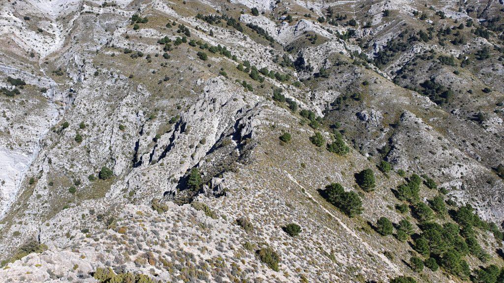 El Fuerte. Vista del descenso hacia el Collado de la Jilana